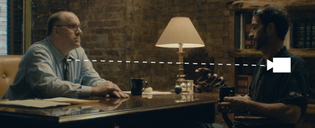 Помощница режиссёра предложила найти ляпы в отрывке из фильма и показала, чем плоха невнимательность 9