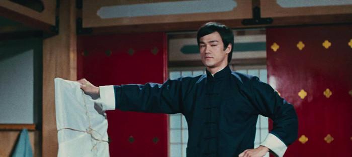 10 лучших фильмов Брюса Ли: актёра с сердцем дракона 4