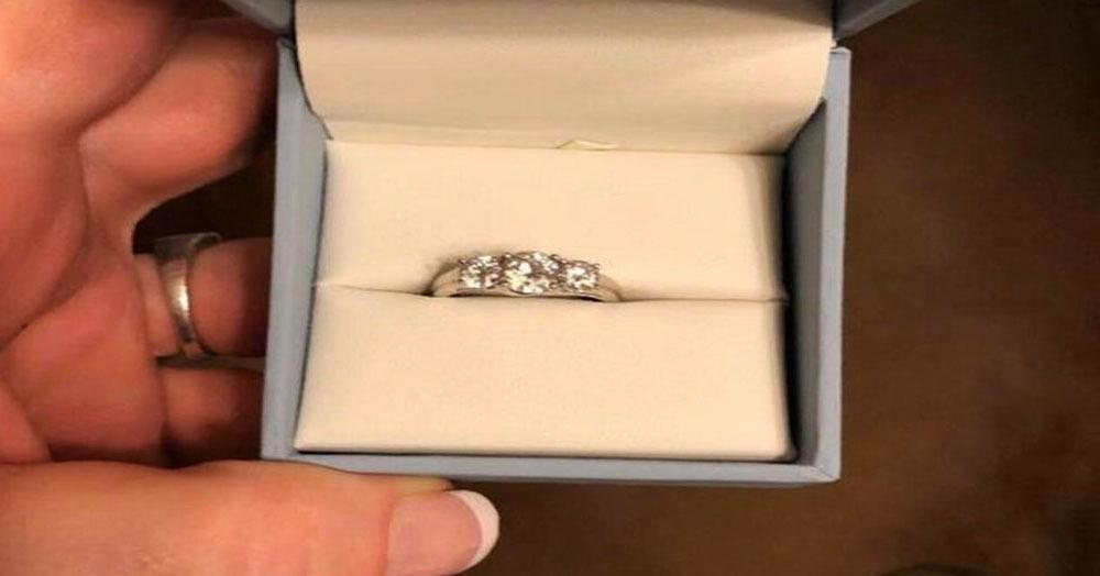 Девушка предложила людям раскритиковать своё кольцо, которое ей (почти) подарил парень. Ой зря