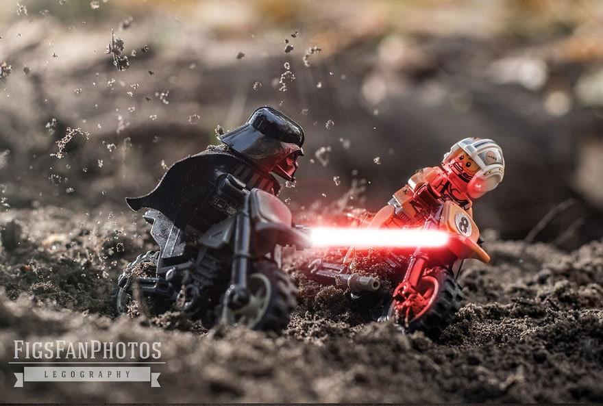 Фотограф снимает игрушки Lego и сам создаёт для них спецэффекты. И вот как выглядят его работы до и после 122