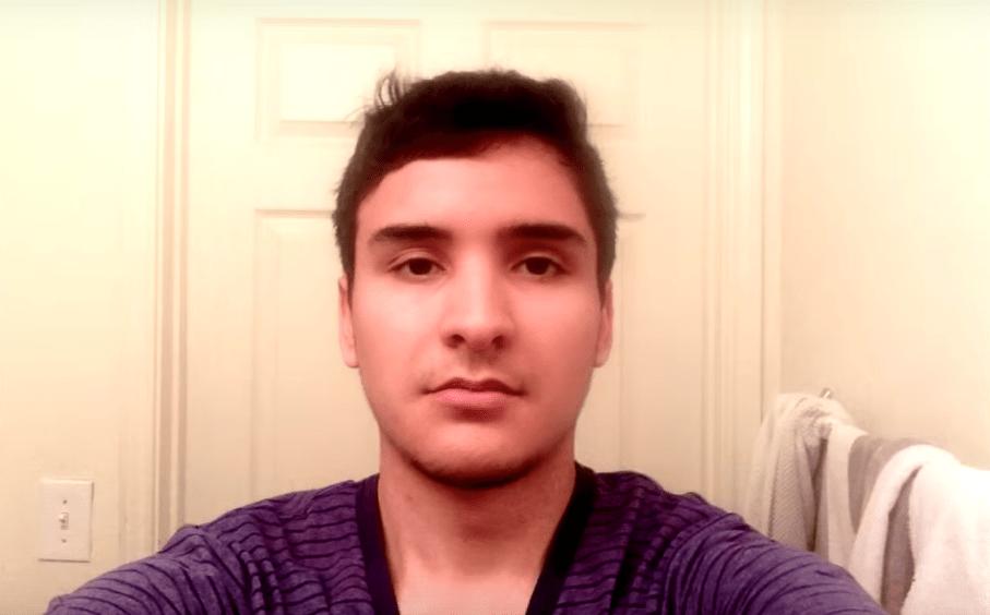 screenshot 14 1 - Парень из Техаса делал селфи 8 лет и соединил их в видео. Теперь он взрослеет за несколько минут