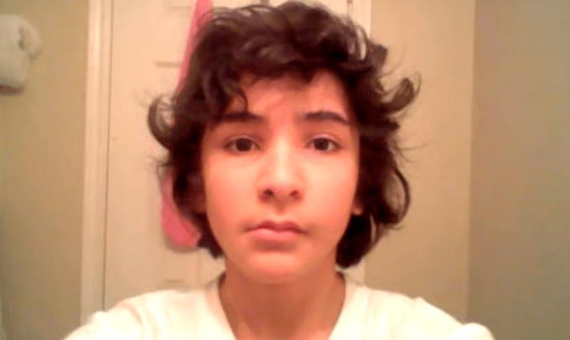 screenshot 2 12 - Парень из Техаса делал селфи 8 лет и соединил их в видео. Теперь он взрослеет за несколько минут