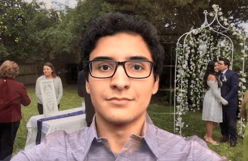 screenshot 21 - Парень из Техаса делал селфи 8 лет и соединил их в видео. Теперь он взрослеет за несколько минут
