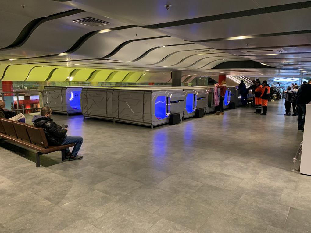 Будущее уже наступило: в аэропорту Пулково появился капсульный отель с футуристичным дизайном 7