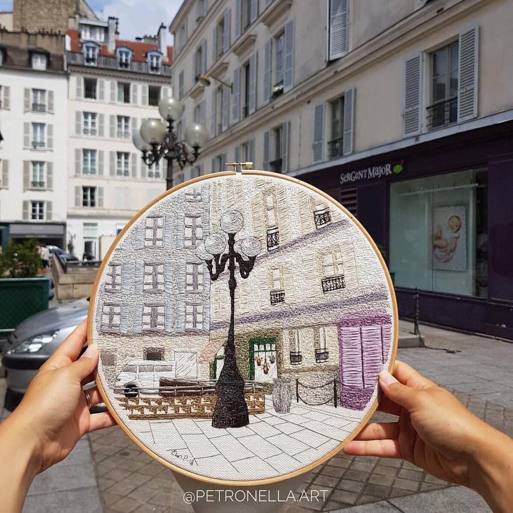Пара путешествует по Европе и запечатлевает увиденное, но не на фото. Они это вышивают! 15
