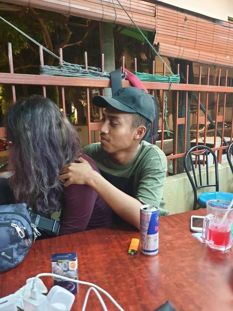 Малайзиец разыграл жену фоткой с «другой девушкой». Жена обиделась, а девушка взял и повернулся 10