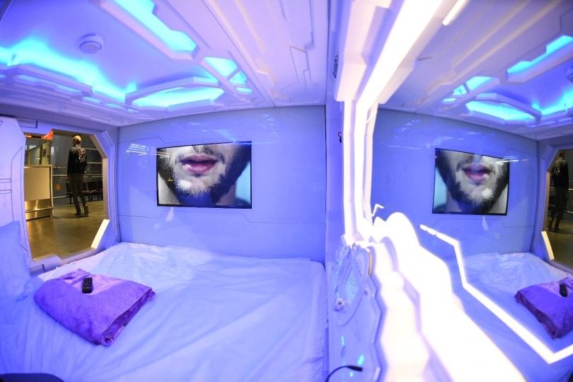 Будущее уже наступило: в аэропорту Пулково появился капсульный отель с футуристичным дизайном 2