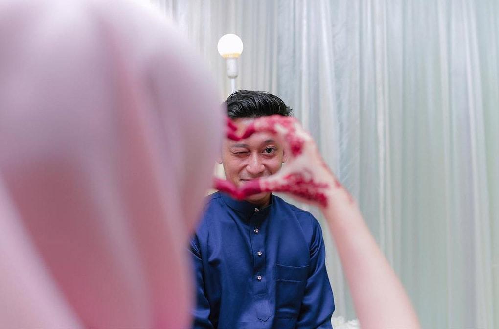 49779925 406231620182591 7984252096267928429 n - В Малайзии обнаружен курьер года: он прервал свадебную церемонию, доставляя посылку. Невесте!