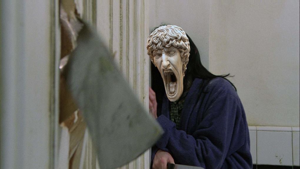 В сети появилось фото орущей статуи из Италии, которая докричалась до всех фотошопщиков интернета 5