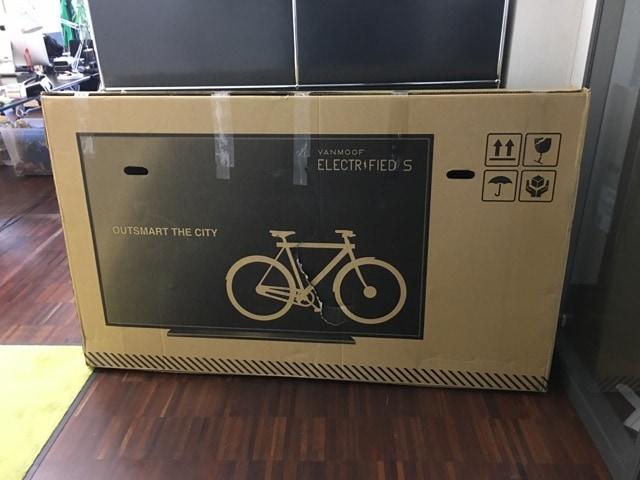Фирма придумала, как спасти велосипеды от поломки при доставке. Теперь курьеры думают, что это телек 2