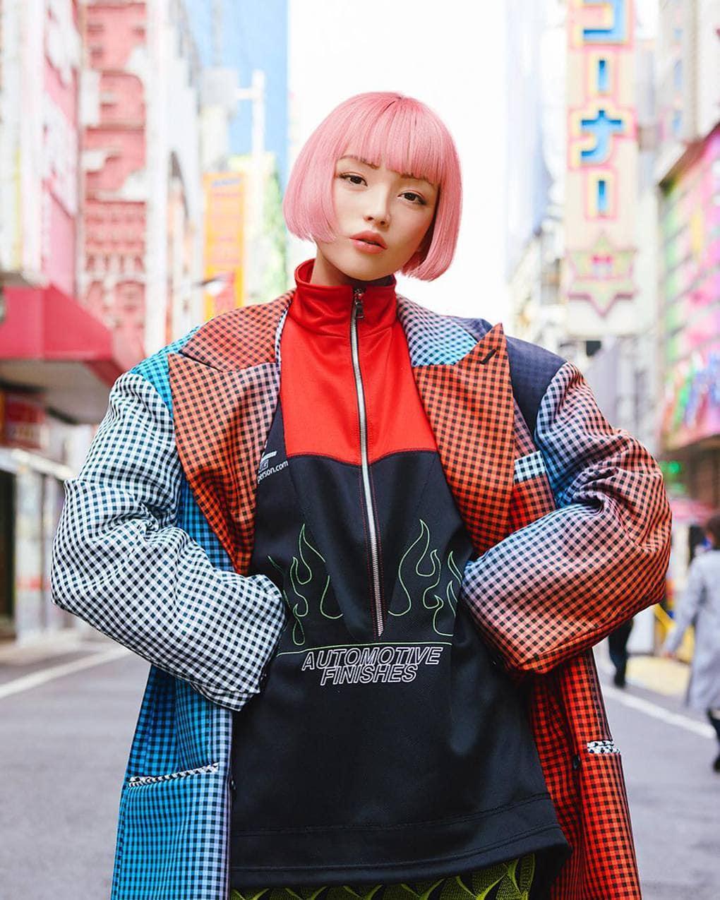 Японская девушка модель приема на работу севастополь работа девушкам