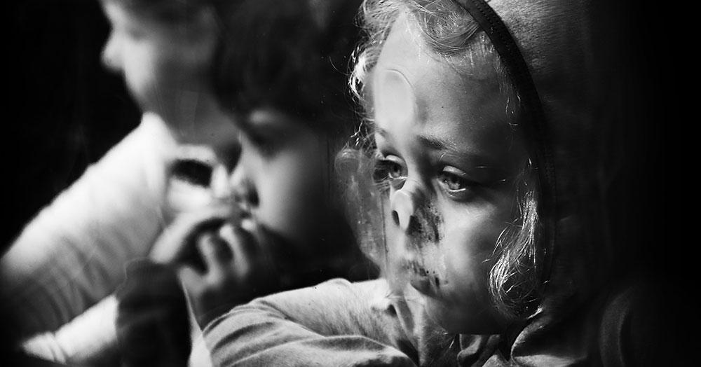 15 ярких снимков, которые победили в международном конкурсе на лучшую детскую чёрно-белую фотографию