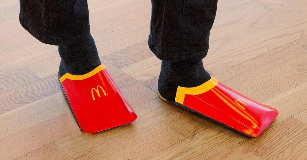 Макдоналдс обещает выпустить бюджетную версию обуви Balenciaga, если их пост соберёт 103042 лайка