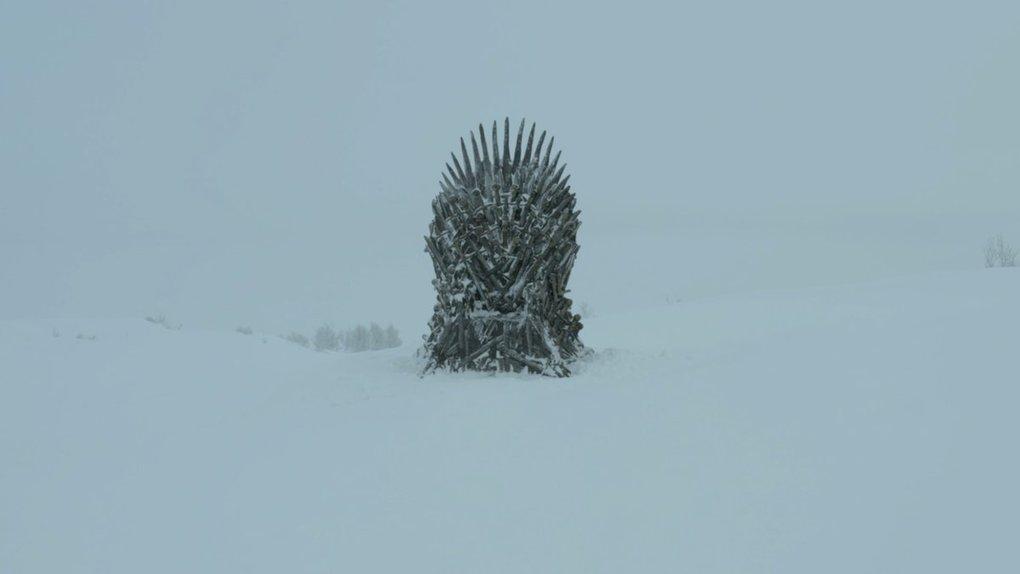 d2db0dqwsaefugl - Фанаты «Игры престолов» ищут Железные троны, которые канал HBO надёжно спрятал в разных уголках мира