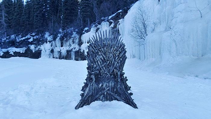 hbo hides real thrones game of thrones promotion forthethrone 1 5c99dab60ca54  700 - Фанаты «Игры престолов» ищут Железные троны, которые канал HBO надёжно спрятал в разных уголках мира