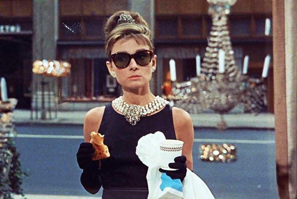 dfb6cc5d69b7a6c14a020976afdb11061b3f0303 - ТОП-10 лучших фильмов с Одри Хепбёрн: прекрасной леди мирового кинематографа