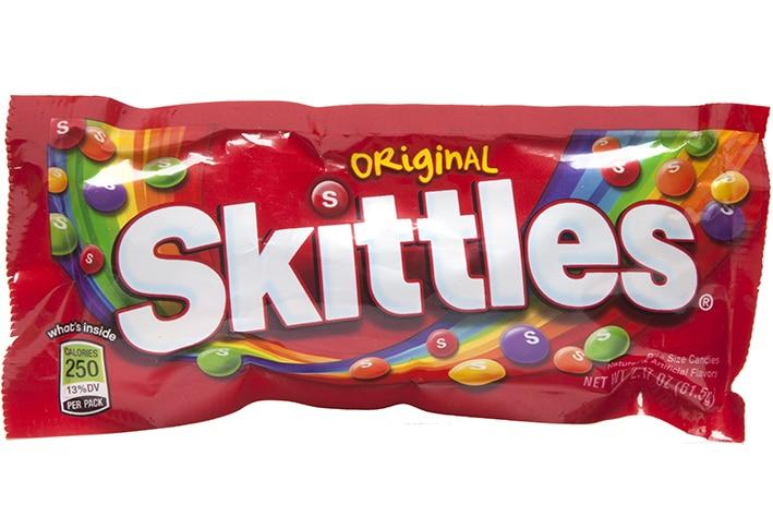skittles original - Математик решил отыскать две одинаковых пачки Skittles. Ему понадобилось 82 дня и 27 тысяч конфет