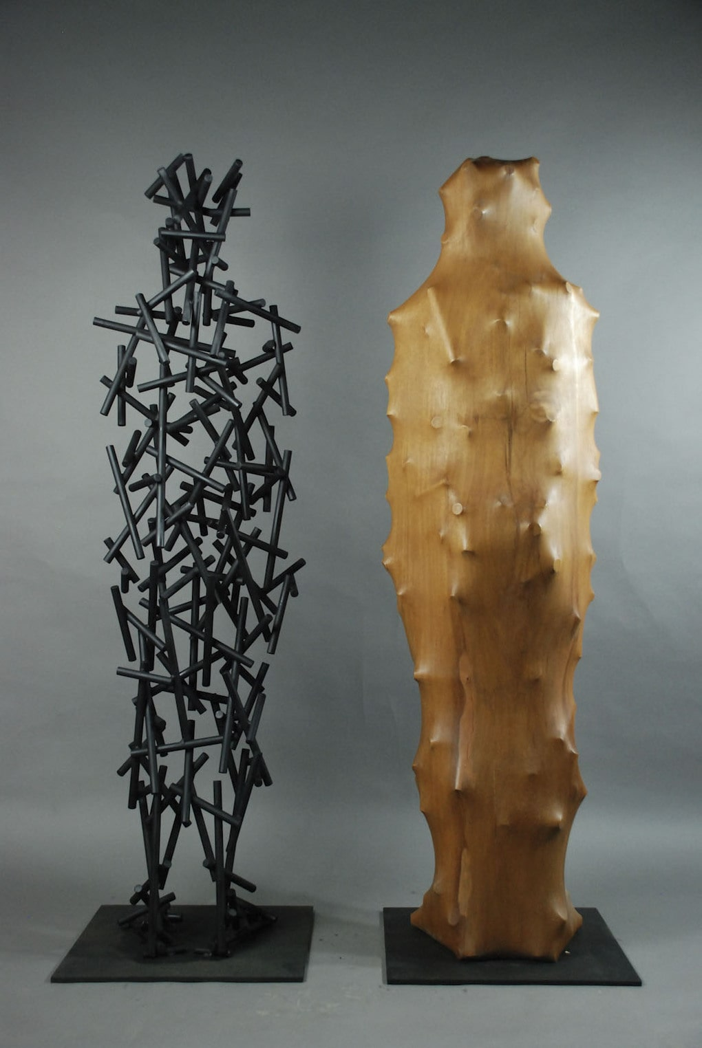 dsc 0701 1 - Тайваньский художник создаёт пугающие скульптуры из дерева, в которых как будто застряли люди