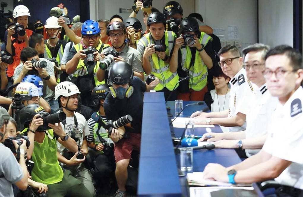 fryann6zy3431 - 15 снимков с акции протеста в Гонконге, которые показывают дисциплину и уважение демонстрантов