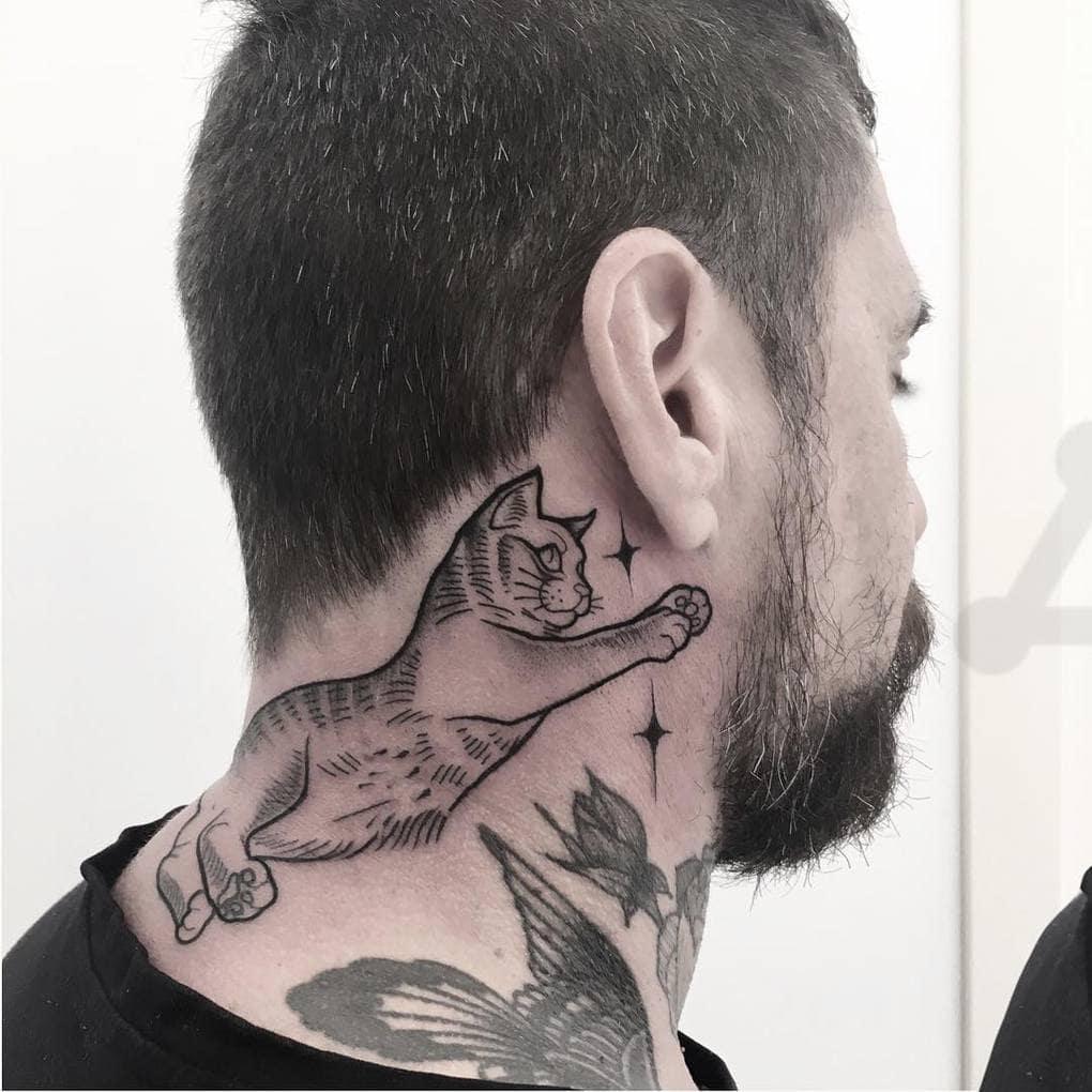 giadaknox tattoo 41367670 290588908221378 318794532460662177 n - 30 татуировок, которые стали украшением на шее у своих владельцев