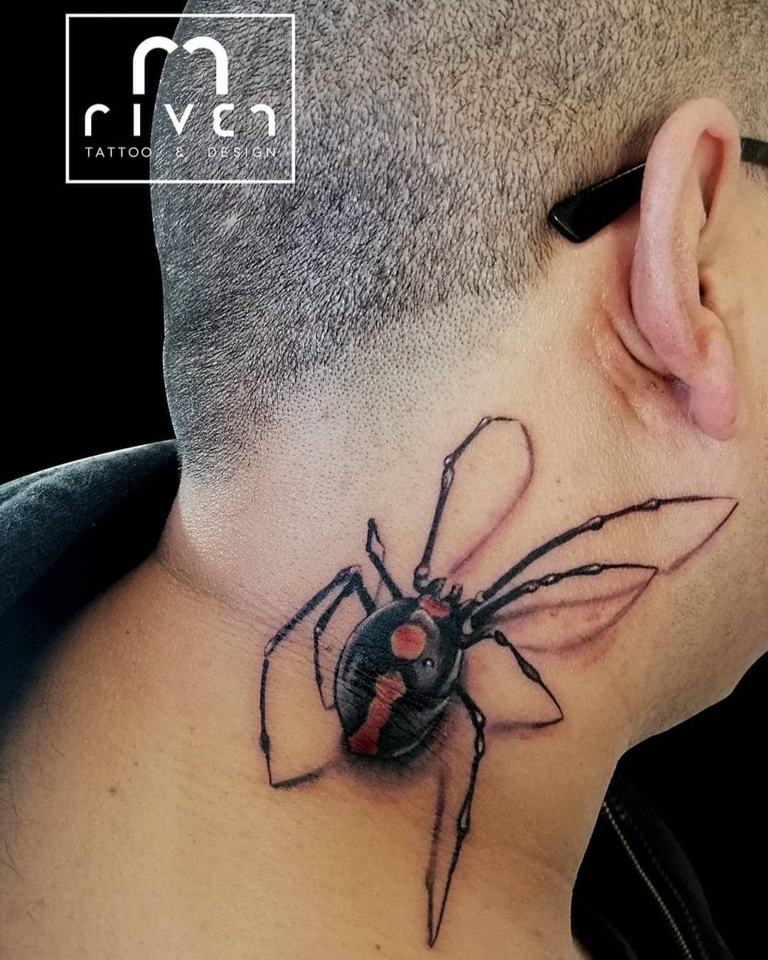 rivertattoodesign 54266387 856165944744676 3851659197354655185 n - 30 татуировок, которые стали украшением на шее у своих владельцев