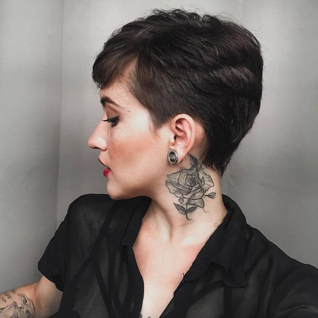 thayenedorta 54446554 272575230358190 4945244087455600686 n - 30 татуировок, которые стали украшением на шее у своих владельцев