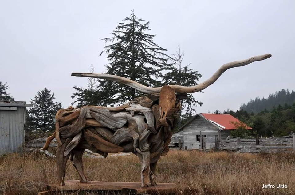 14390710 1116578351763648 8944499344932070633 n - Художник из Вашингтона создаёт скульптуры из сухих деревяшек, от которых дух захватывает