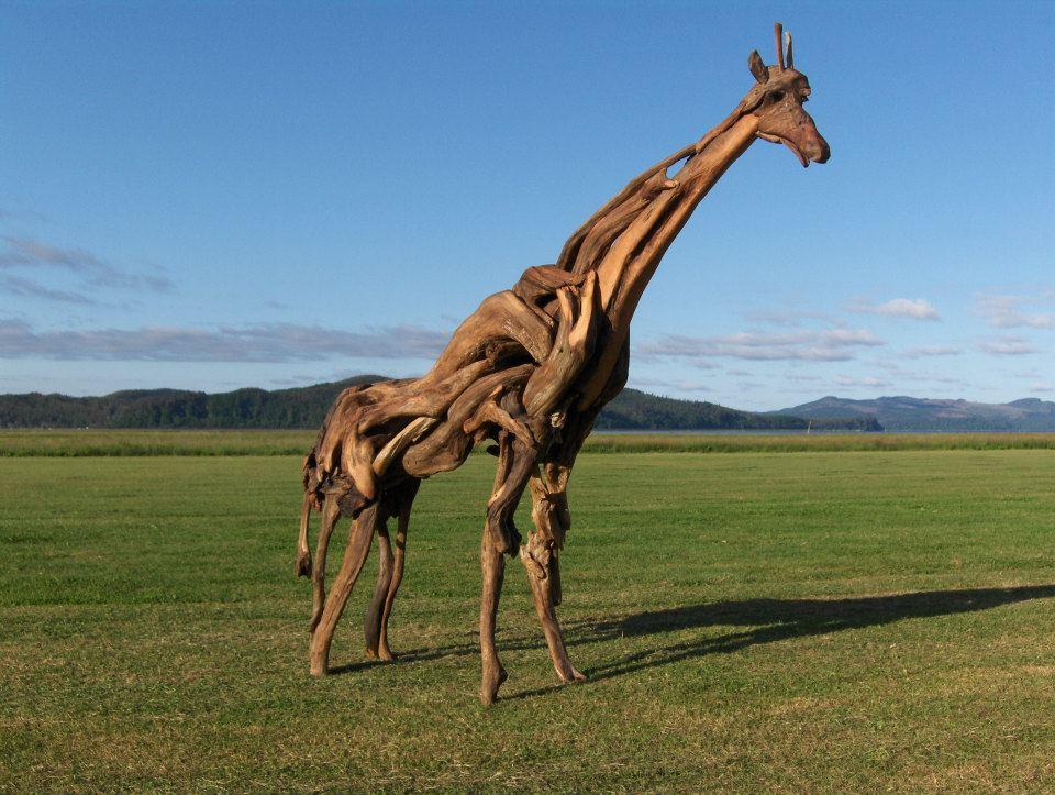 155409 379934015428089 2002542361 n - Художник из Вашингтона создаёт скульптуры из сухих деревяшек, от которых дух захватывает