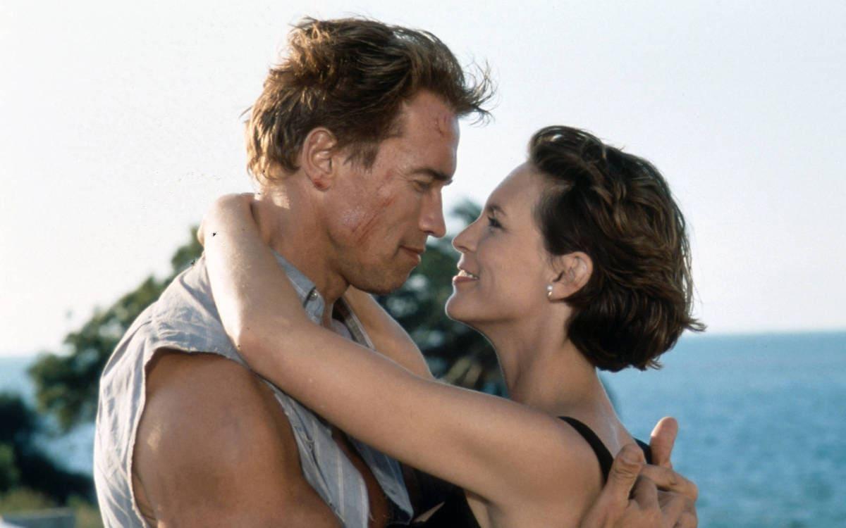 16 true lies 1994 - ТОП-10 лучших фильмов Арнольда Шварцнеггера: настоящего супергероя без каких-либо плащей