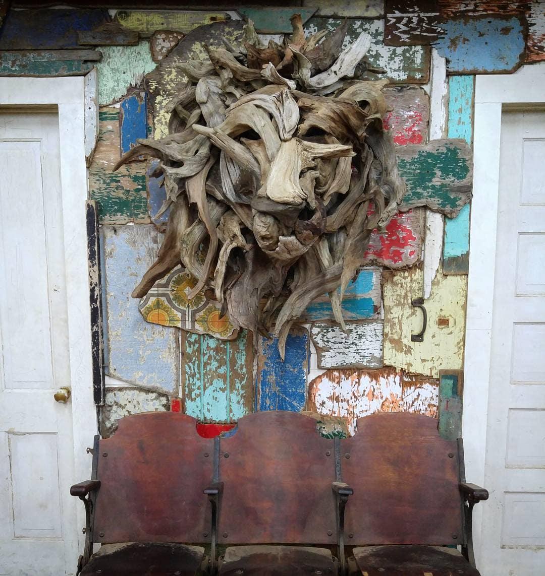 18251961 1868111596789834 3293523386638008320 n - Художник из Вашингтона создаёт скульптуры из сухих деревяшек, от которых дух захватывает