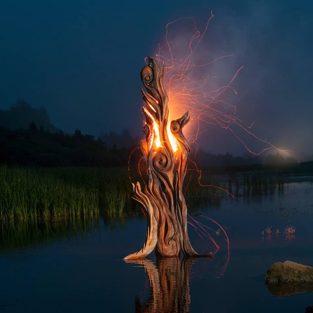 46734471 210665439814284 8384062395592474624 n 1 - Художник из Вашингтона создаёт скульптуры из сухих деревяшек, от которых дух захватывает