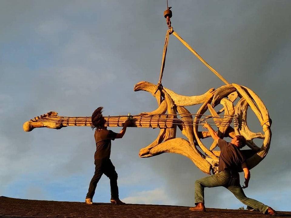60738167 2253611341393671 8795911710163599360 n - Художник из Вашингтона создаёт скульптуры из сухих деревяшек, от которых дух захватывает