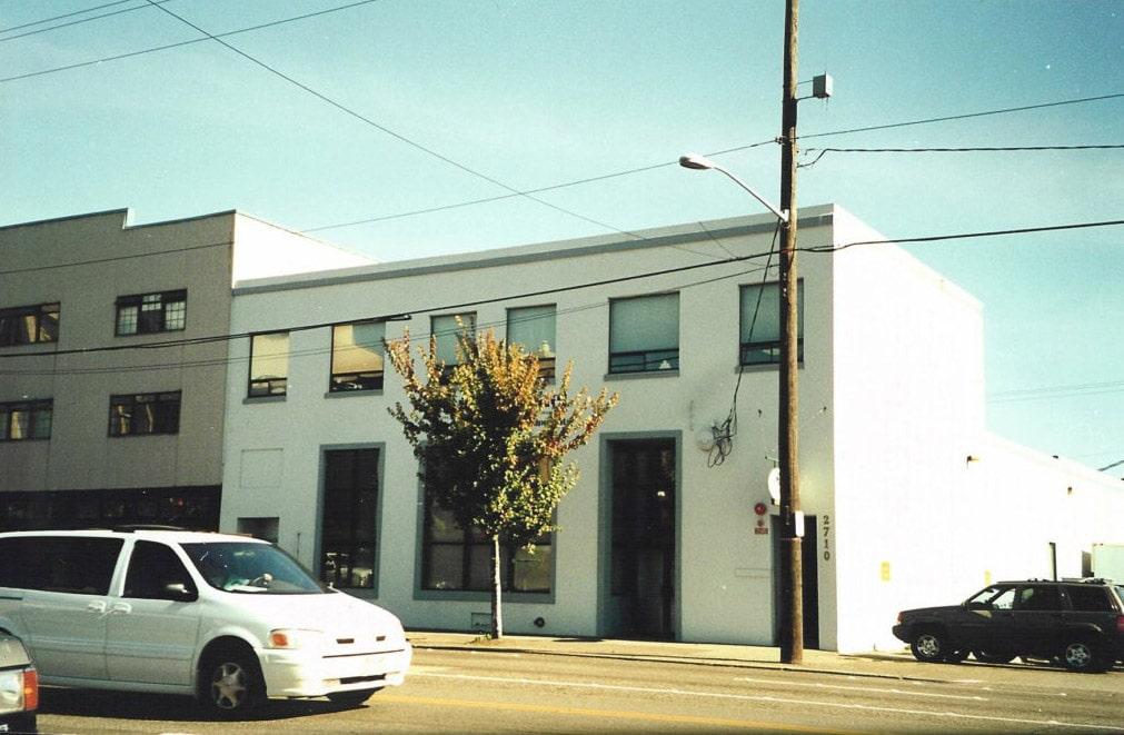 first office building 1024x695 - Как изменились здания офисов известных компаний. Фотографии в год основания и сейчас