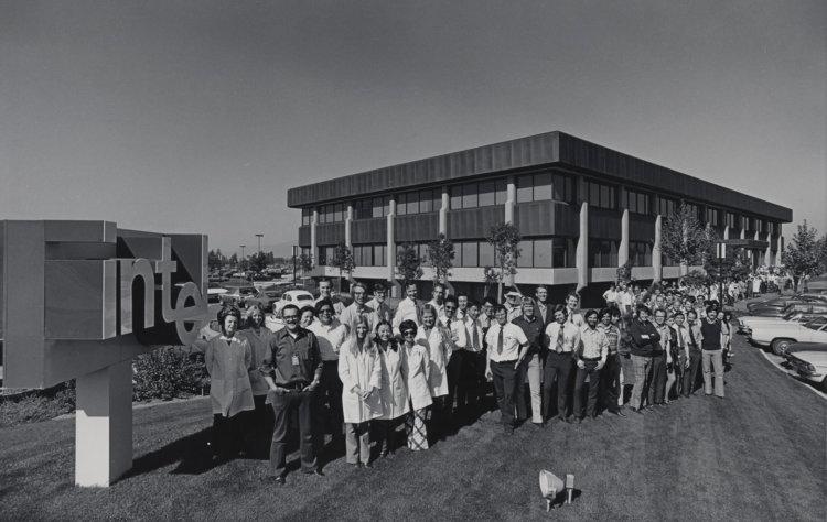 image 2026 750x474 - Как изменились здания офисов известных компаний. Фотографии в год основания и сейчас