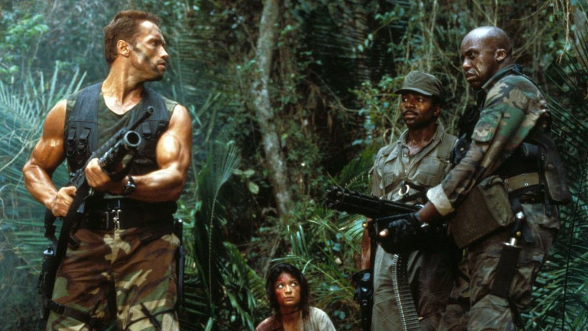 predator movie review image header - ТОП-10 лучших фильмов Арнольда Шварцнеггера: настоящего супергероя без каких-либо плащей