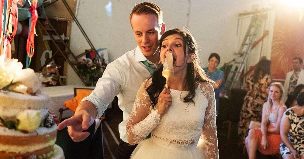 Британский фотограф делает честные свадебные снимки, показывая, что скрывается за красивыми кадрами