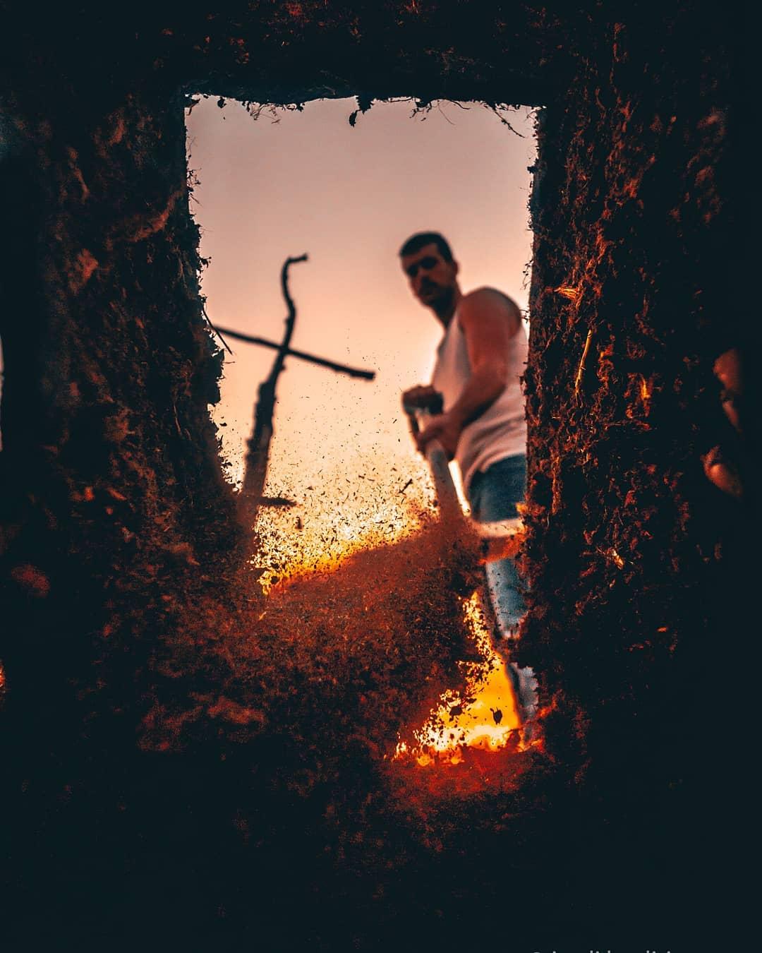 1564738400 1b24b575508af14c13aa89ca16784873 - Испанский фотограф показывает, что за его креативными работами стоит вовсе не фотошоп, а смекалочка