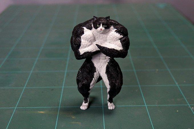 1564993691 d35c3dcaa029428024f87d26323c7dfc - 20 работ от японца, который превращает мемных животных в смешные фигурки