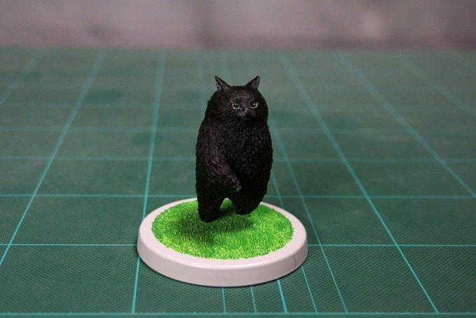 1564993703 40a3ade999811f67ad03fd357e0dccdb - 20 работ от японца, который превращает мемных животных в смешные фигурки