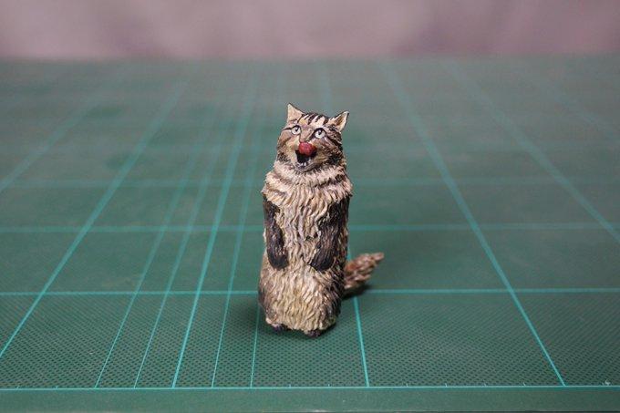 1564993857 3569f140077e16cc022fc396ad74e497 - 20 работ от японца, который превращает мемных животных в смешные фигурки