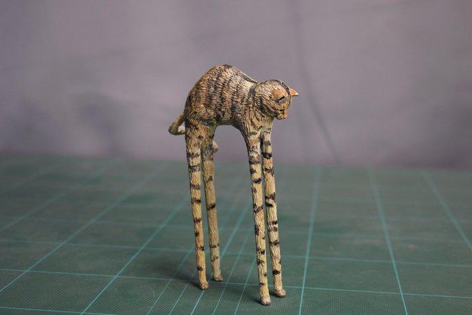 1564994011 bff128a02abb108f17e45188be15c726 - 20 работ от японца, который превращает мемных животных в смешные фигурки