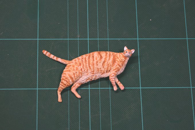 1564994029 46720870311c3d88fd321813e271444c - 20 работ от японца, который превращает мемных животных в смешные фигурки