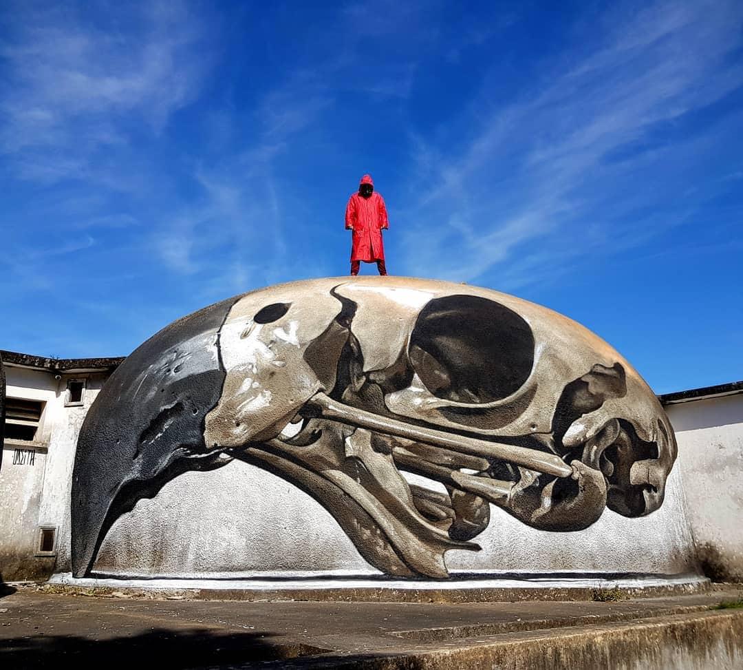 1565697704 754095c69f60138307c3f01700a1be14 - 20 работ художника, который превращает невзрачные стены в невероятно реалистичные 3D-граффити