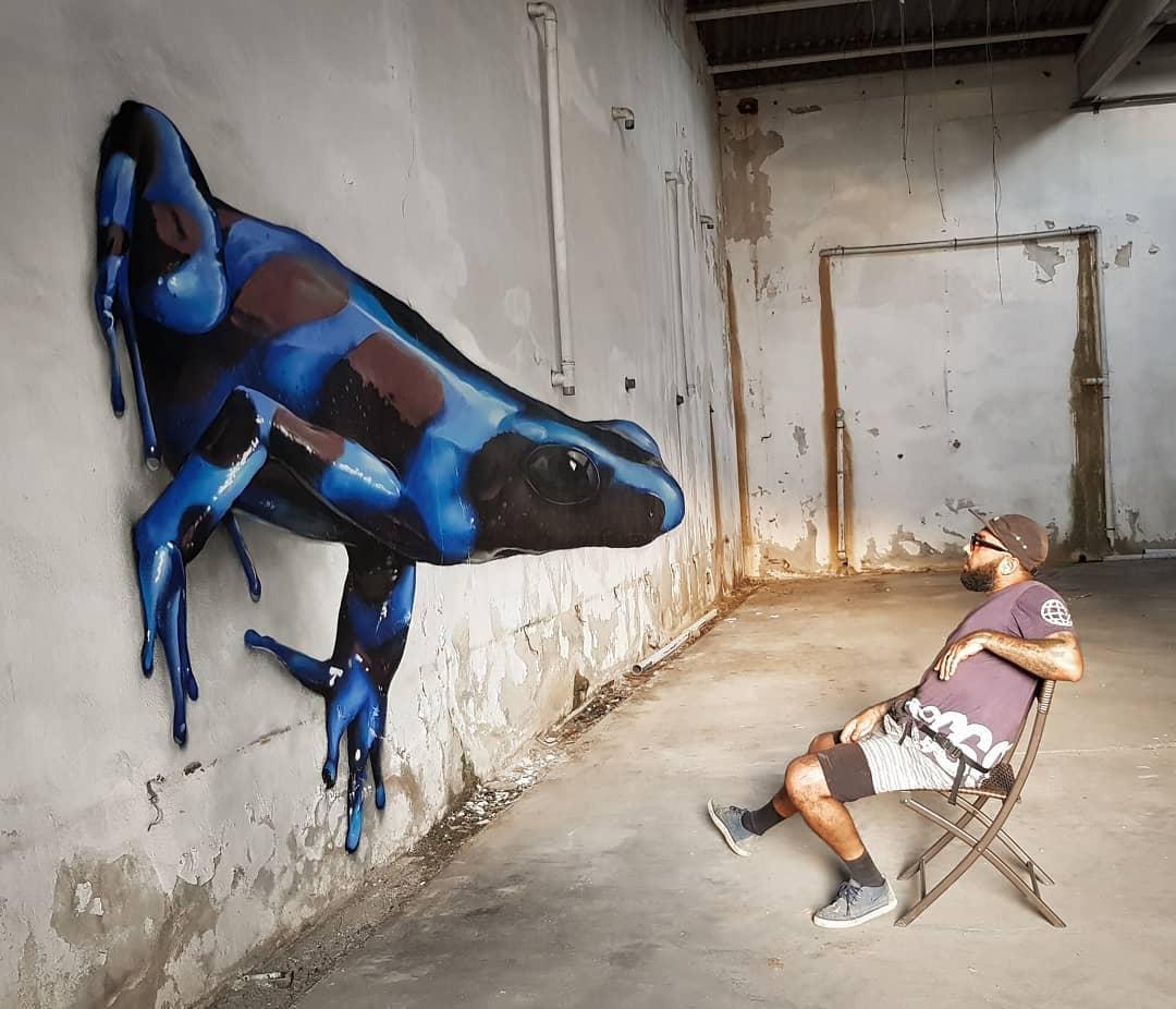 1565697717 693451a77c50d174fd7ed0e8296ab17b - 20 работ художника, который превращает невзрачные стены в невероятно реалистичные 3D-граффити