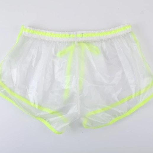 1565961025 a877e9551185b2e1b2ce8f692f2e29b6 - Модный бренд выпустил мужские прозрачные шорты и предлагает два способа ношения: скромный и посмелее