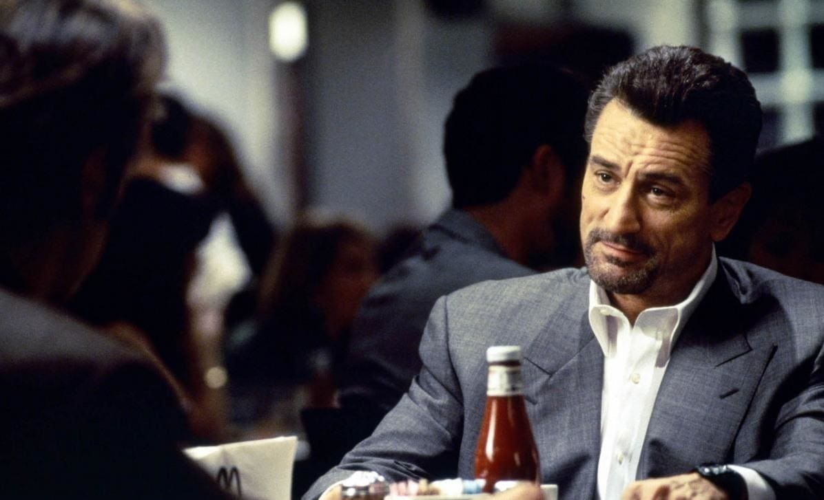 1565962785 a3927274a7b29a8b9a18c575ae6c1f09 - ТОП-10 лучших фильмов Роберта Де Ниро: харизматичного гангстера и просто отвязного парня