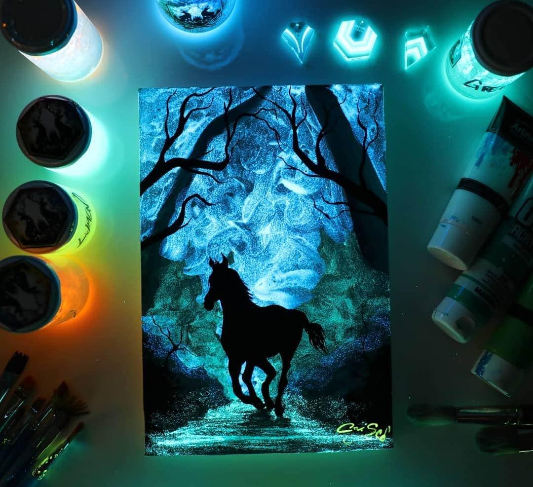 1566887342 9f87a4c7a877c498985f9c73ffdd0ec0 - 20 рисунков итальянского художника, которые оживают, когда выключается свет