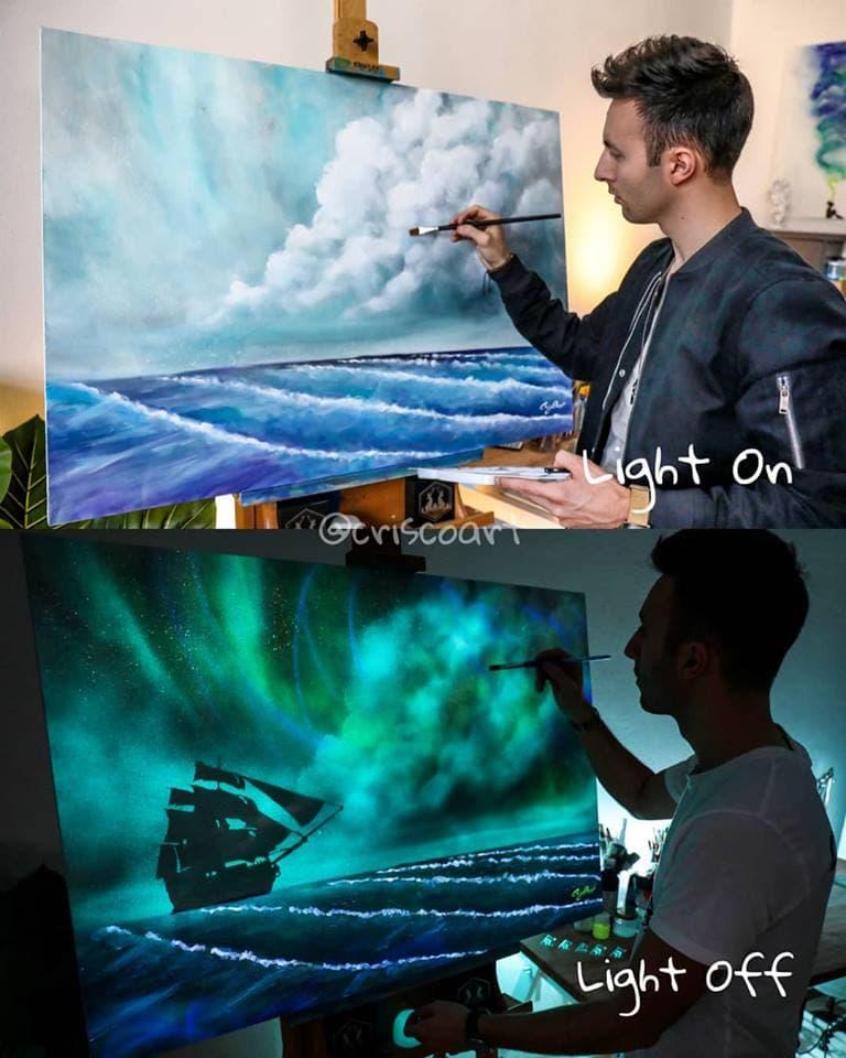 1566887353 4c2b16ebb8e00655a5f374e7edc1f928 - 20 рисунков итальянского художника, которые оживают, когда выключается свет