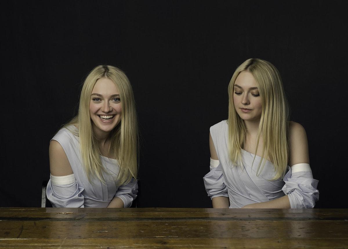1568711035 e55b721d9f1b9d9603fc013f72d9f8e9 - Фотограф снял актёров в проекте, где на одном фото они позируют как звёзды, а на другом — как хотят