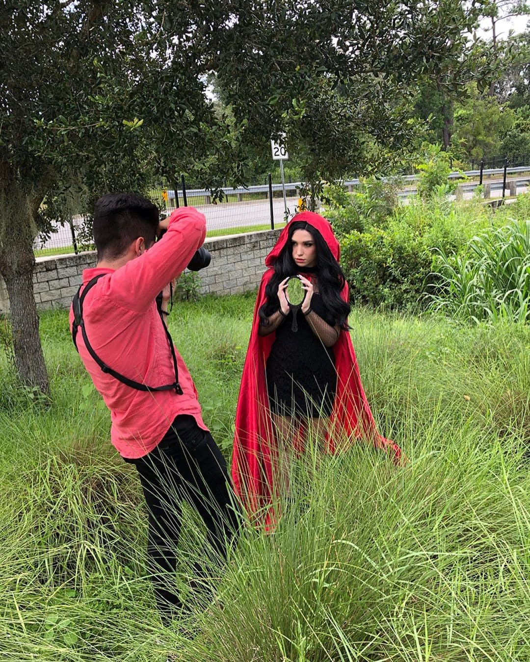 1569499529 98f13708210194c475687be6106a3b84 - Фотограф из Флориды показал, как выглядит со стороны процесс съёмки идеальных инстаграмных снимков